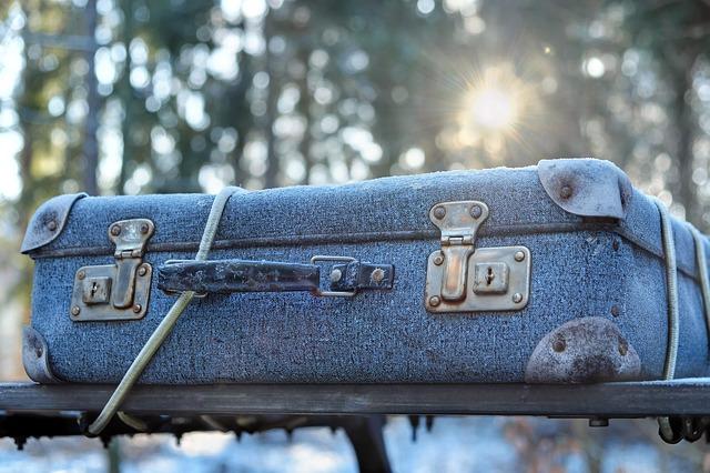 Látkové vs. skořepinové kufry